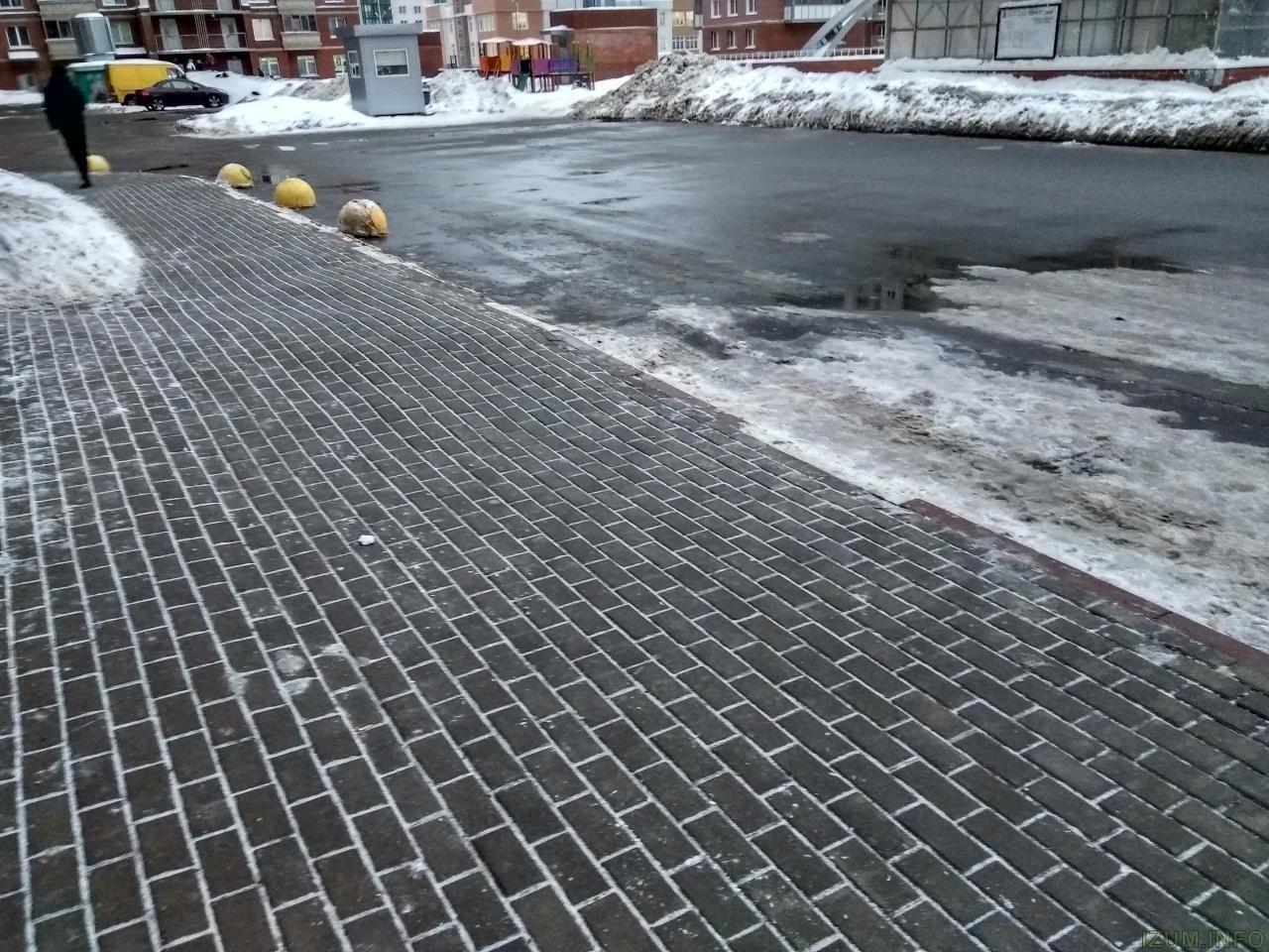 Изумрудные холмы дороги тротуары кривые (8).jpg