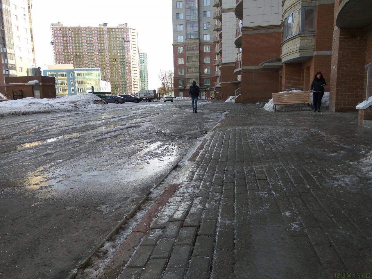 Изумрудные холмы тратуары кривые и во льду (1).jpg