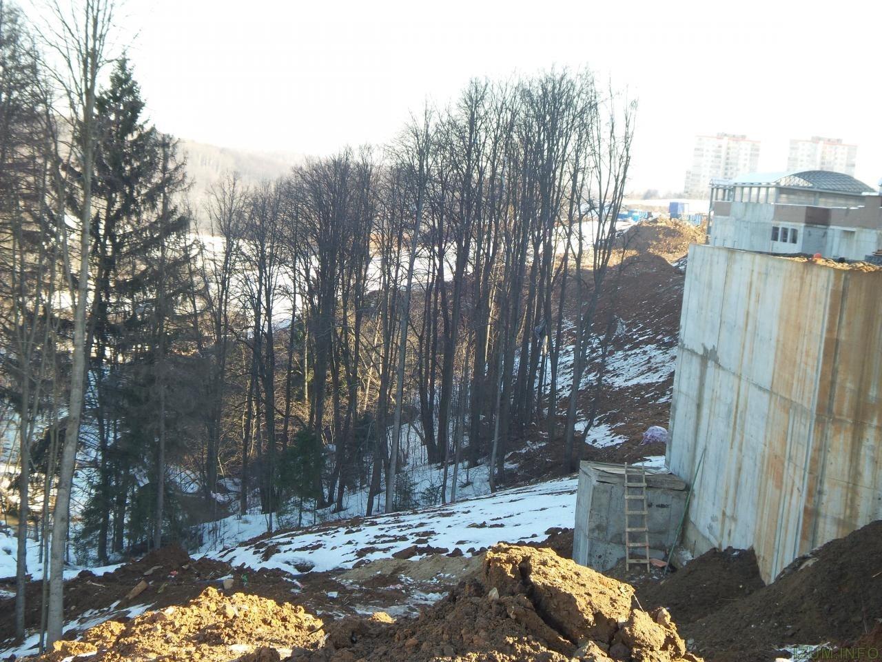 Река Банька мусор со стройки izum.info (5).jpg