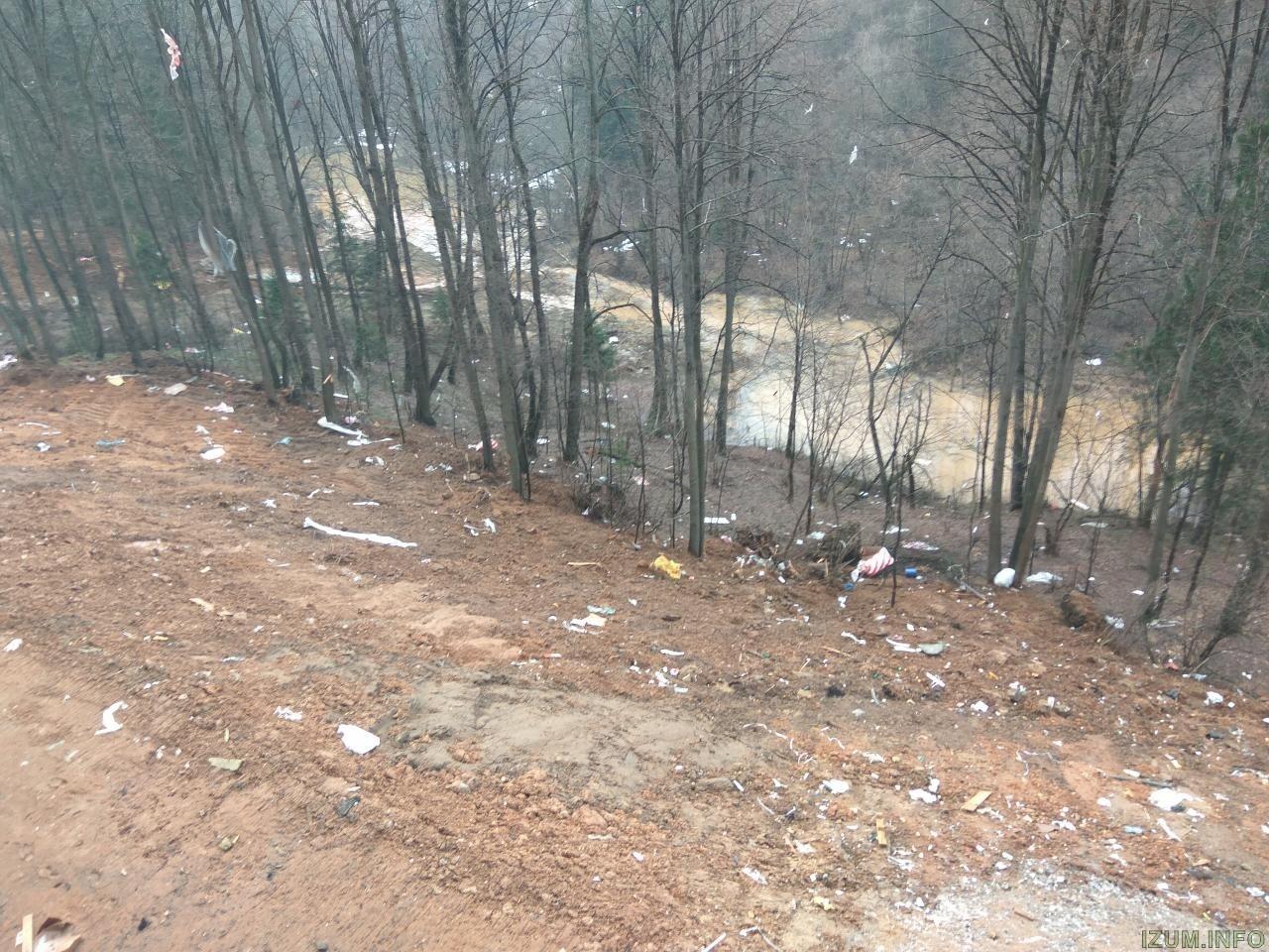 Берег речки банька в Изумрудных холмах за корпусом 15 (2).jpg