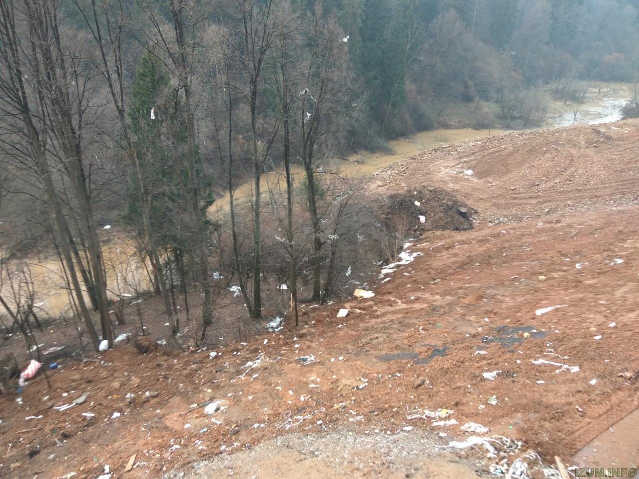 Берег речки банька в Изумрудных холмах за корпусом 15 (3).jpg
