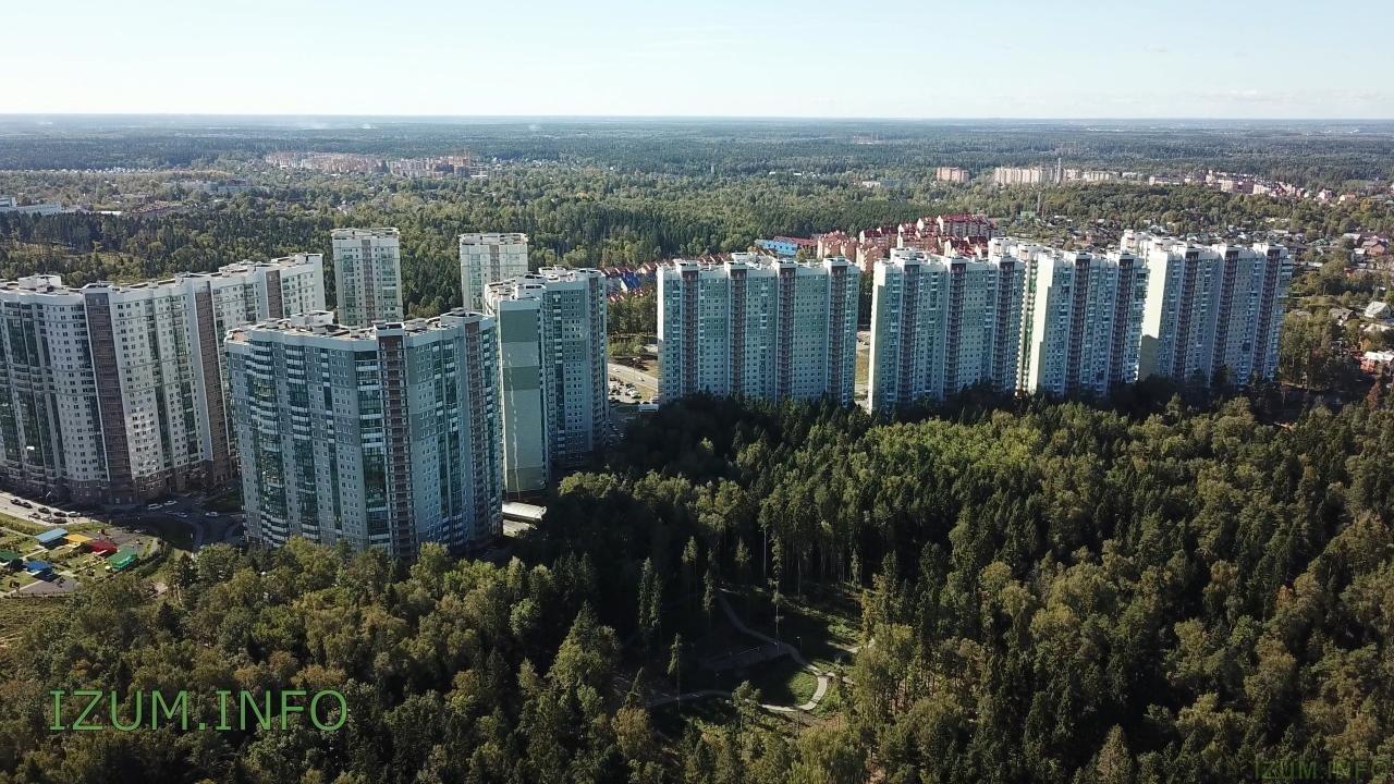 Изумрудные холмы полёт стройка Черневская горка (13).jpg