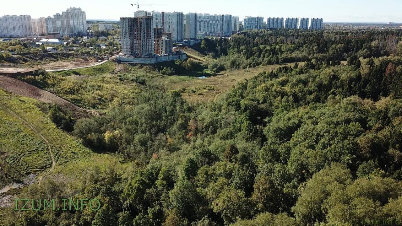 Изумрудные холмы полёт стройка Черневская горка (4).jpg