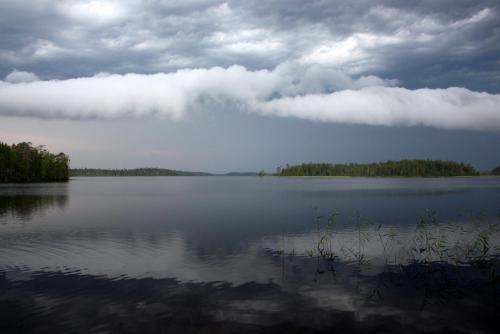 Озеров карелии перед грозой.JPG