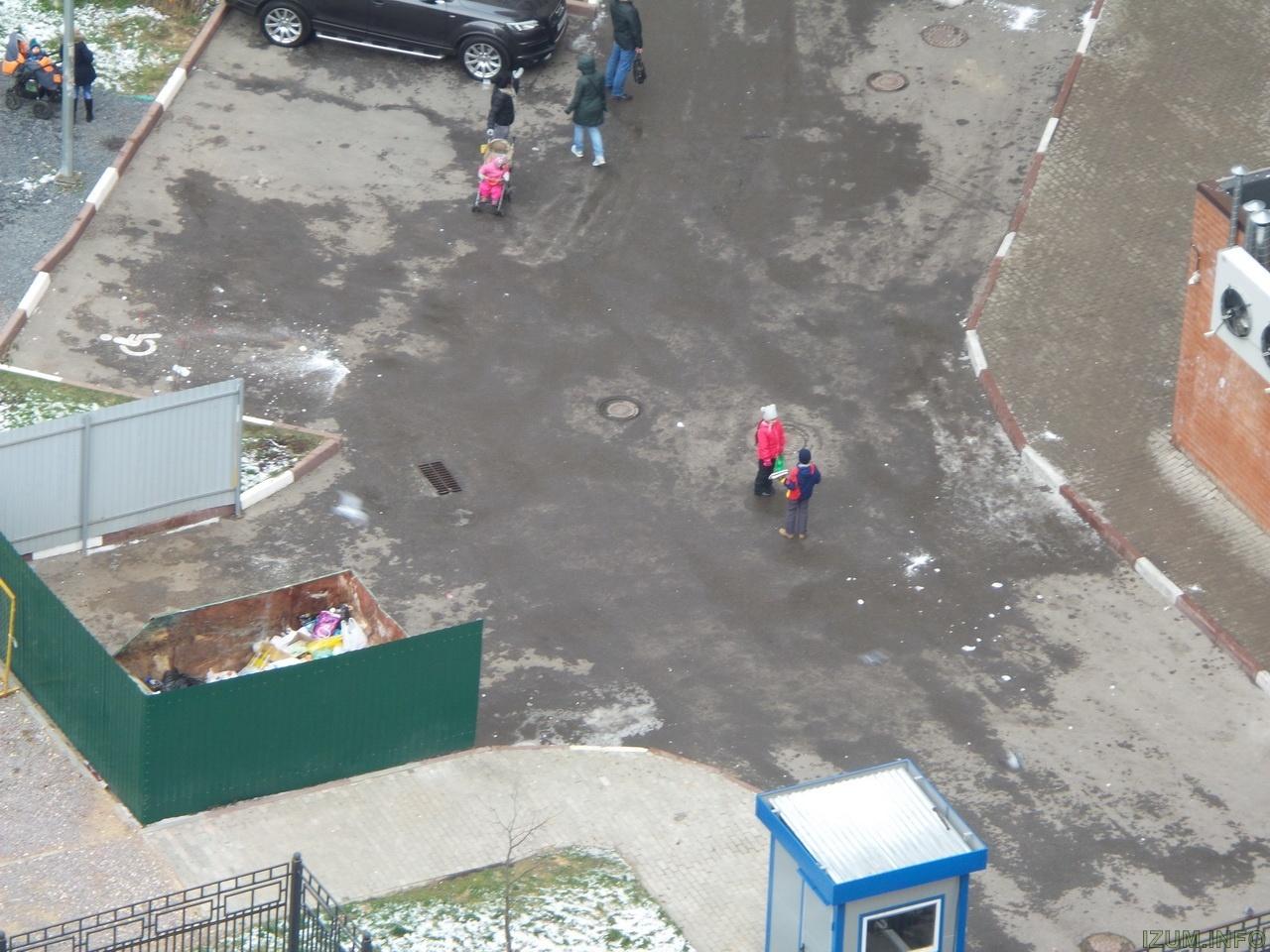 Изумрудные холмы лёд падает с крыш на тротуары (8)_новый размер.jpg