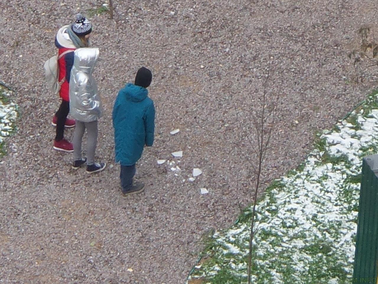 Изумрудные холмы лёд падает с крыш на тротуары (3)_новый размер.jpg