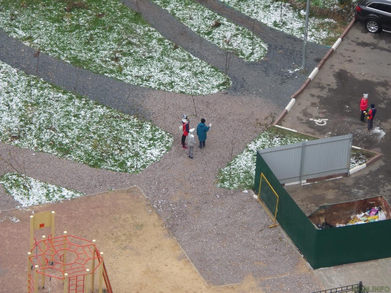 Изумрудные холмы лёд падает с крыш на тротуары (11)_новый размер.jpg