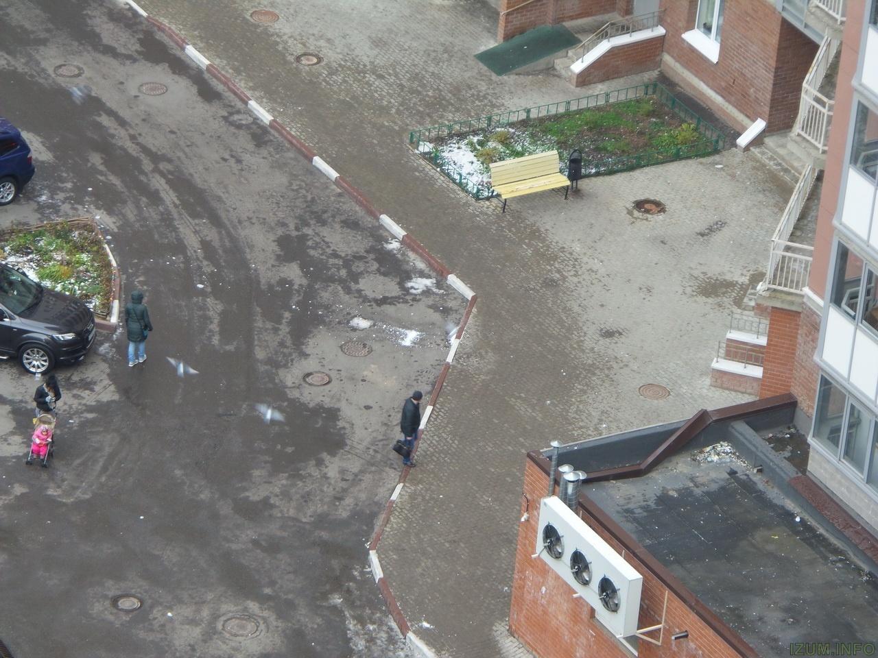 Изумрудные холмы лёд падает с крыш на тротуары (10)_новый размер.jpg