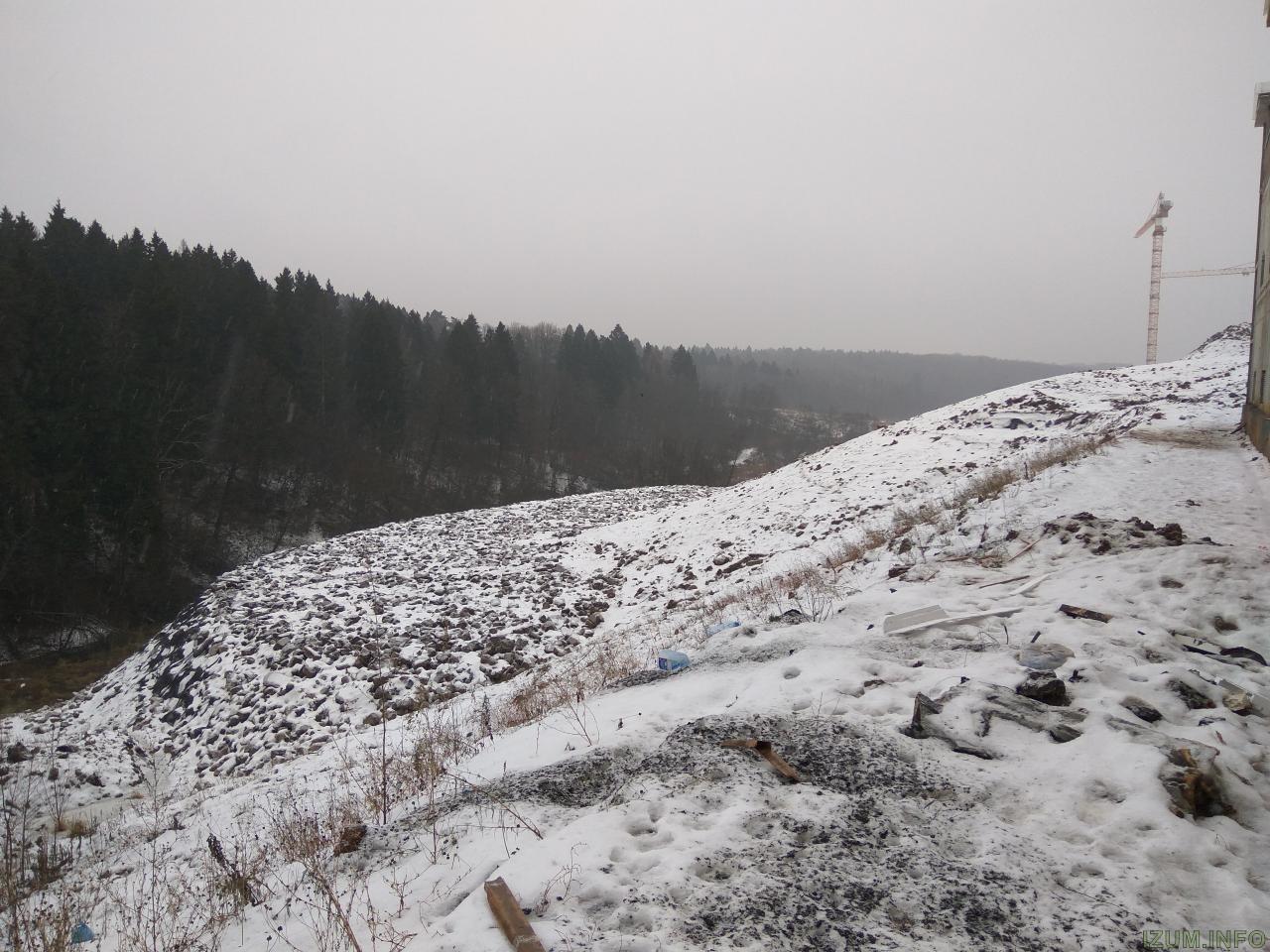 Изумрудные холмы стройка школы (1).jpg
